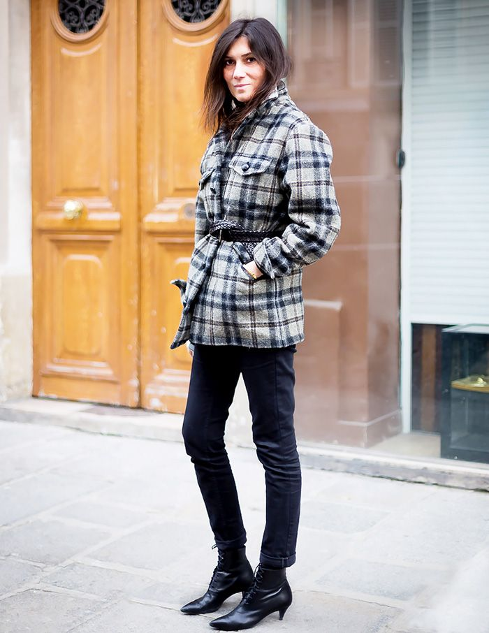 Emmanuelle Alt wearing black cat boots with a grunge style jacket from Saint Laurent fall 2013 runway, photo@style.com