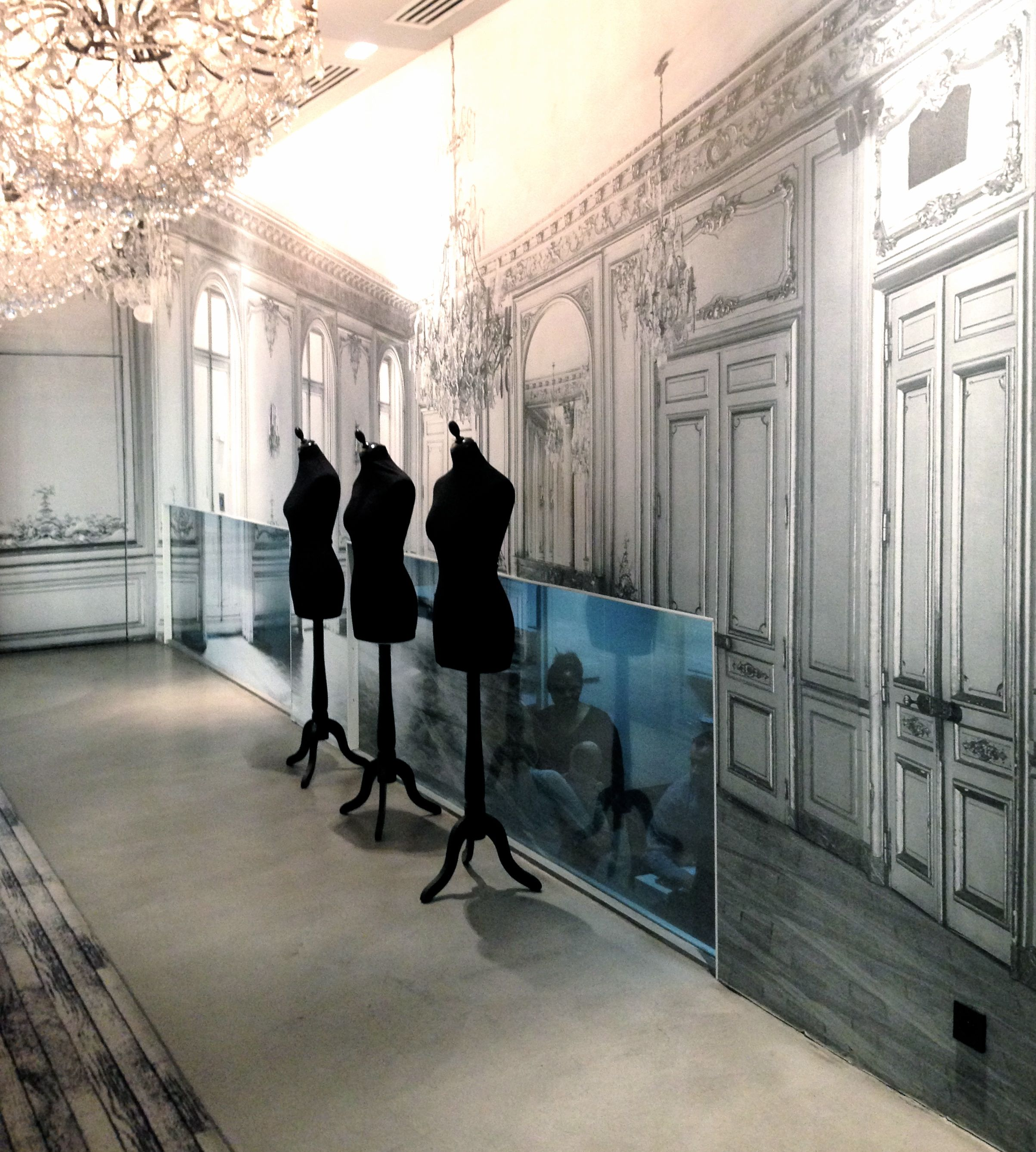 La maison champs elysees margiela designed hotel in paris - Maison champs elysees hotel paris ...